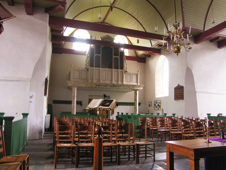 Binnen in de Maartenskerk Texel